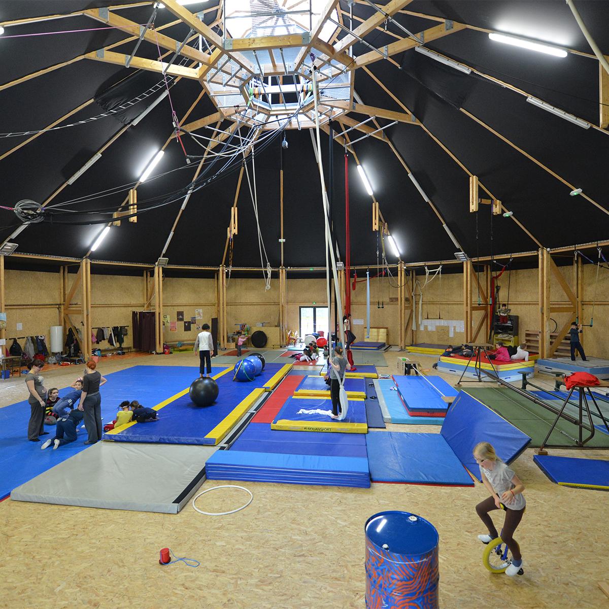 In Situ, Architecture, Culture(s) & Ville- Chapidock - Ecole de cirque Nantes
